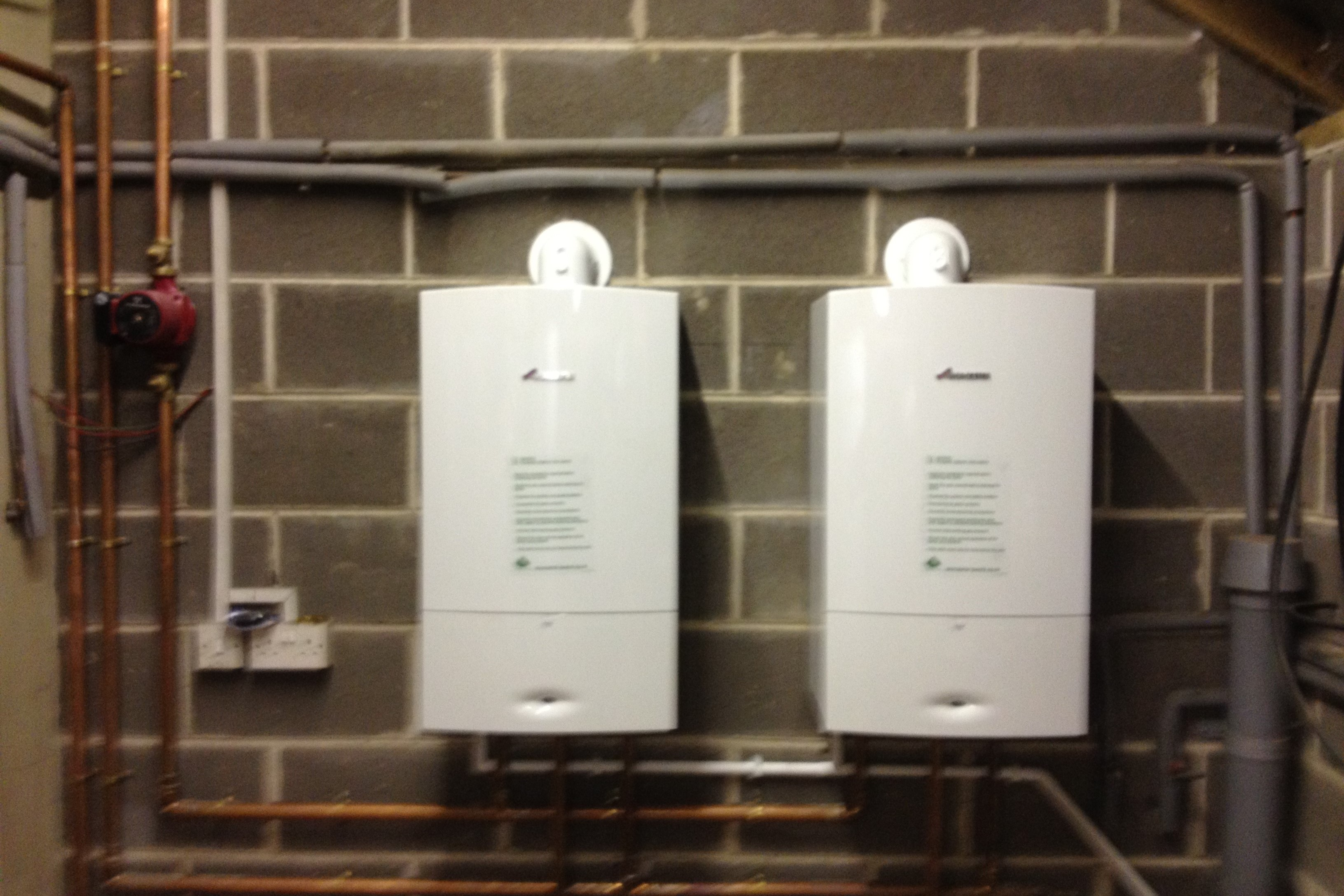 3-2 Two Worcester 40 cdi boilers piped on a header for large properties with a high central heating demand